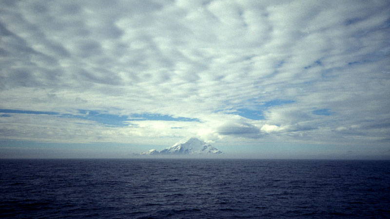 Snow covered mountain, South Shetland Islands. (Pic: NOAA/Flickr)