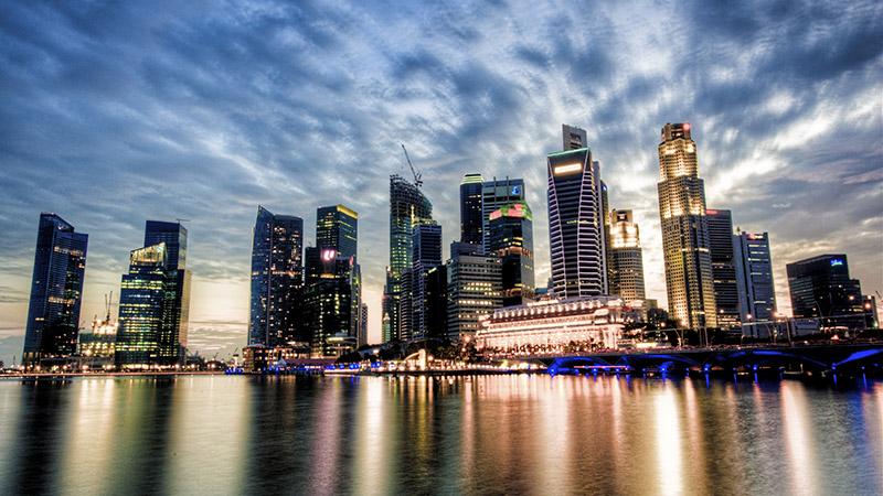 Singapore skyline (photo: Wikimedia Commons)