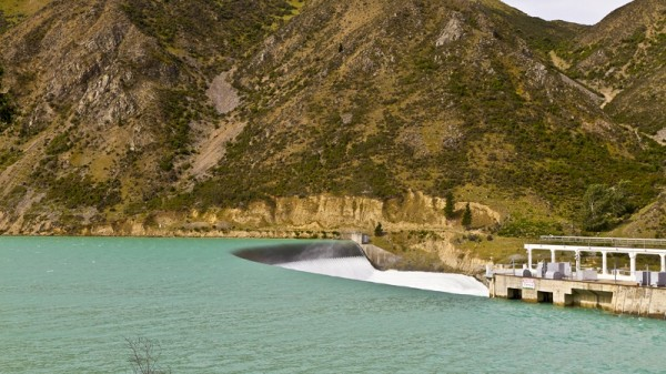 Waitaki dam. Hydropower accounts for 15% of New Zealand's energy use (Flickr/Michael Dawes)