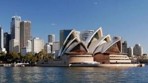 Abbott told to cut Australia emissions 30% by 2025