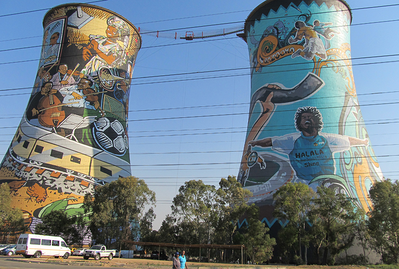 A disused coal-fired plant in Soweto. (Flickr/ Tracy Hunter)