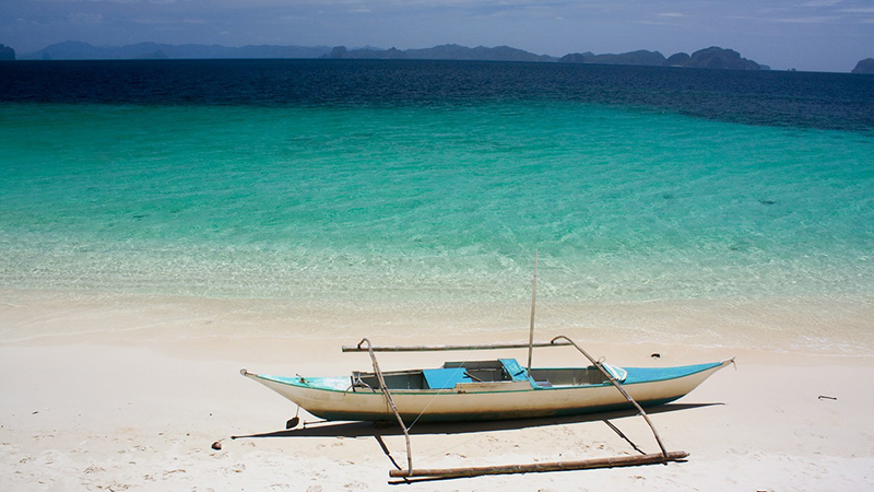 Despite its image as a perfect holiday destination, the Philippines coastline is acutely vulnerable to climate impacts (Pic: Pixabay)