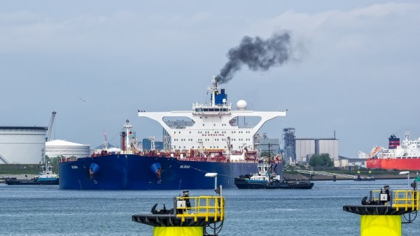 There is no sector-wide emissions target for shipping (Flickr/Frans Berkelaar)