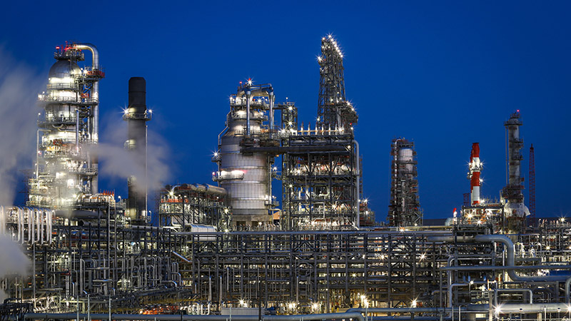 The view of the 12 Pipestill at sundown at BP's Whiting Refinery outside of Chicago, USA (Pic: BP/Flickr)
