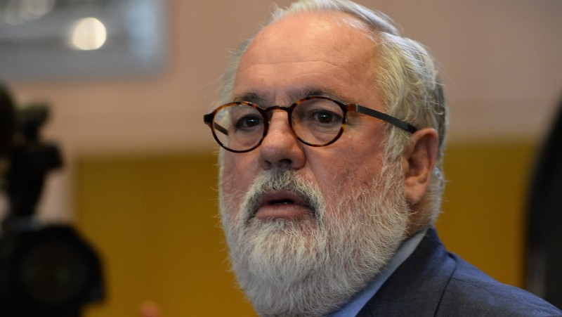 EU climate commissioner Miguel Arias Cañete has called on all member states to ratify the Paris agreement (Pic: Peru Climate Action/Flickr)