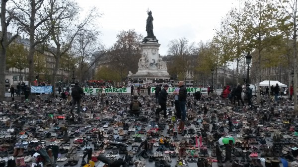 Paris unites on global day of climate action