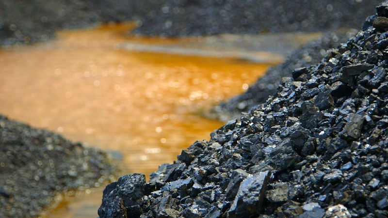 Unregulated coal mining is polluting rivers in Meghalaya, India (Flickr/ECSP)
