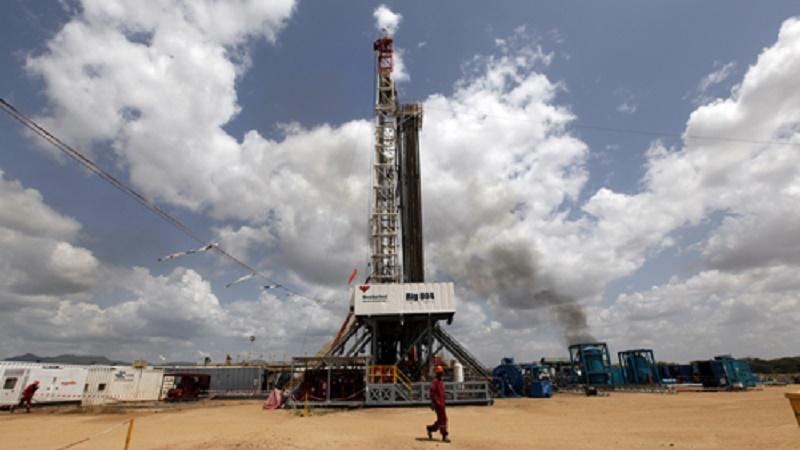 An oil rig in Turkana (Flickr/DEMOSH)