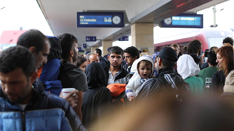 (Flickr/ Josh Zakary) Syrian Refugees in Vienna Hundreds of Refugees waiting for the next train