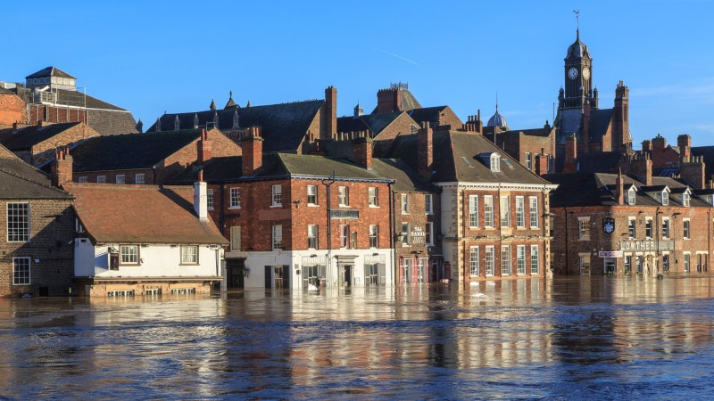Houses inundated after heavy rainfall caused rivers to burst banks in York, England (Flickr/ Alh1)