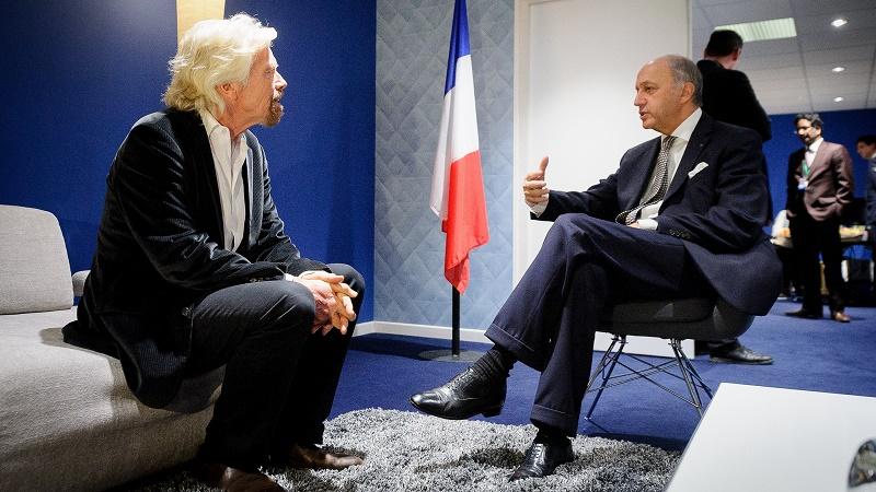 Billionaire Richard Branson meets France foreign minister and COP21 president Laurent Fabius (Arnaud Bouissou - MEDDE/SG COP21)