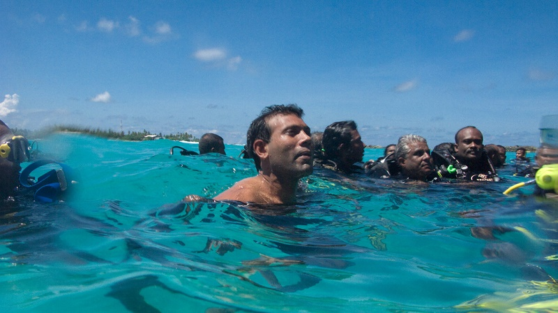 Maldives former president held a press conference underwater to highlight his country's plight (Flickr/Presidency Maldives)