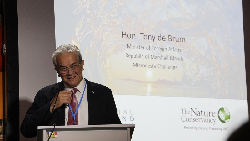 Tony de Brum, foreign minister of the Marshall Islands (Flickr/Takver)