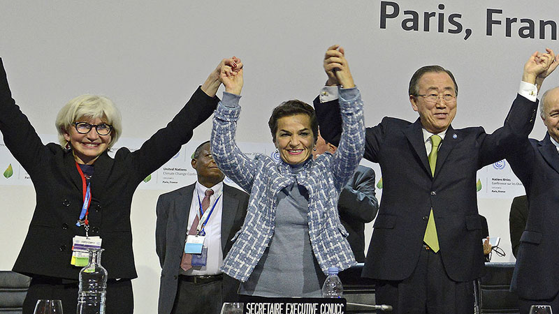 Christiana Figueres celebrates the Paris climate agreement with Laurence Tubiana (l) and Ban Ki-moon (Pic: UNFCCC/Flickr)
