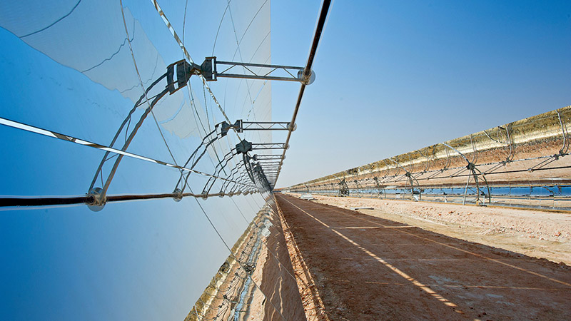Concentrated solar works by mirrors reflecting rays onto a central tower (Pic: Masdar/Flickr)