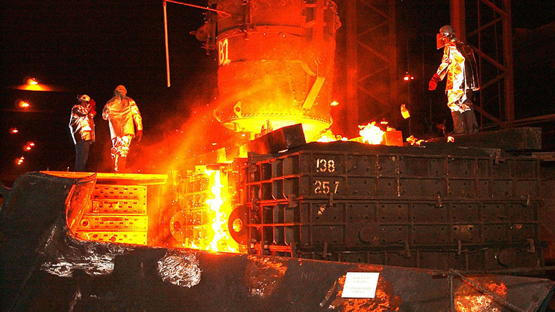 European steel works are under threat, but retraining not carbon freebies are the answer, say OECD economists (Pic: Pixabay)