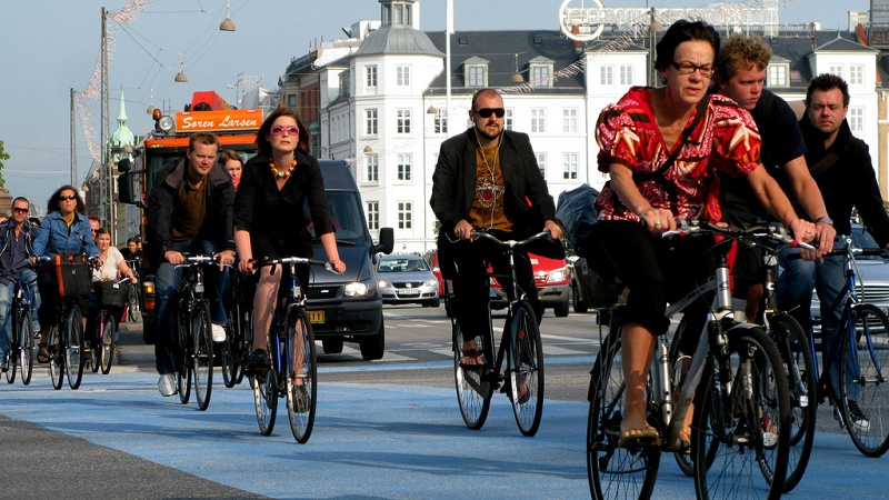 Copenhagen rush hour - climate solutions inspire hope (Flickr/Mikael Colville-Andersen)