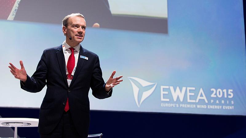 Giles Dickson, CEO of EWEA, speaks in Paris in November 2015 (Flickr/ EWEA)