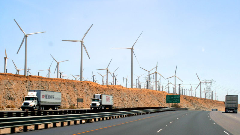 A wind farm off an interstate highway near Whitewater, California (Flickr/ Chuck Coker)
