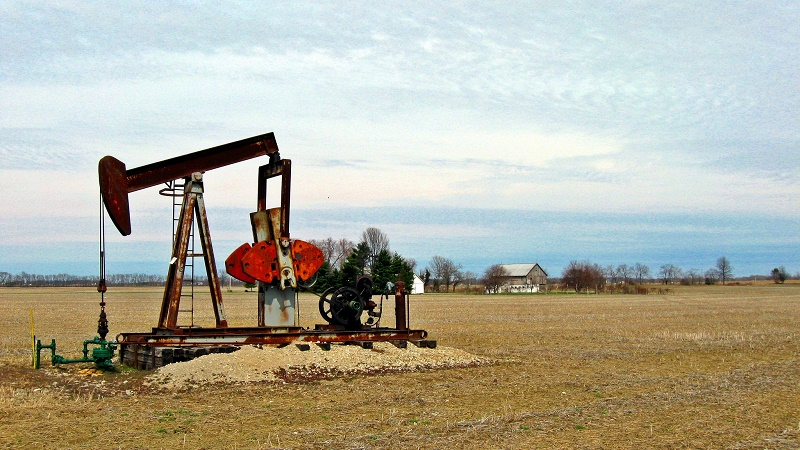 Abandoned oil wells could be used to store carbon dioxide (Flickr/Steven Jenkins)