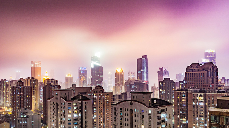 Shanghai at night (Pic: David Leo Veksler/Flickr)