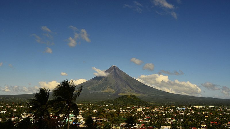 Mayon Volcano on the island of Luzon in the Philippines (Pic: Pixabay)