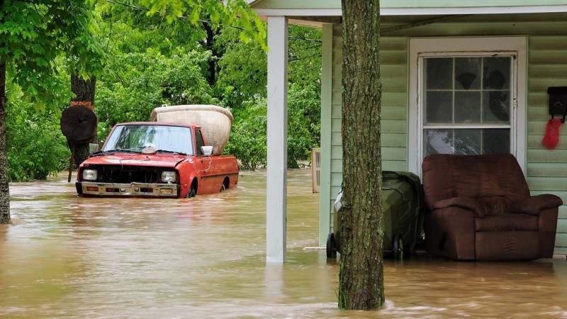 Global warming increases the risk of floods, which damage buildings Flickr/Mike_tn)