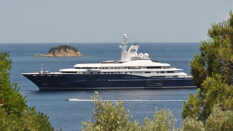 Shell companies set up in tax havens have been used to buy mega-yachts and luxury property Flickr/Kullez)