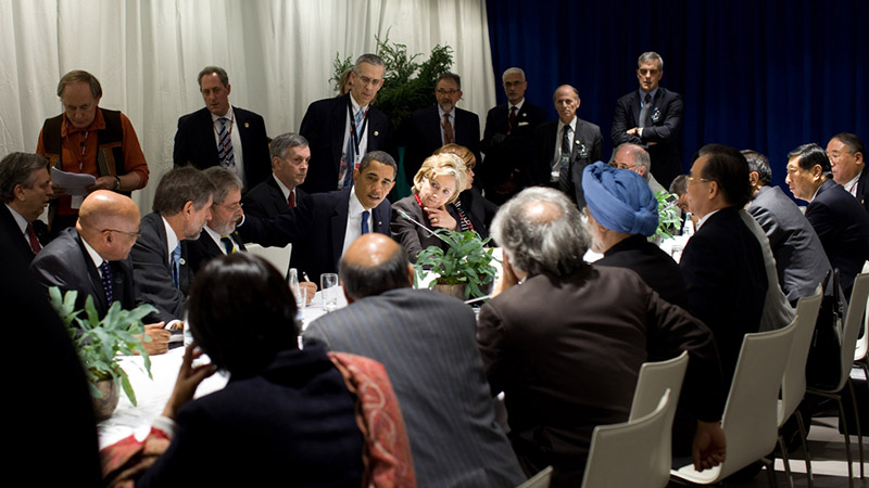 Obama and Clinton meeting the leaders of China, India, Brazil and South Africa at the 2009 UN climate summit (Pic: White House/Flickr)