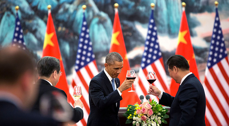 President Barack Obama offers a toast to President Xi Jinping of China during a State Banquet at the Great Hall of People in Beijing (Pic: Pete Souza/Flickr)