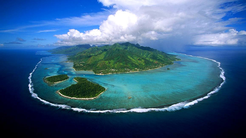 16,000 people live on Morrea Island in French Polynesia (Flickr/ Dany13)