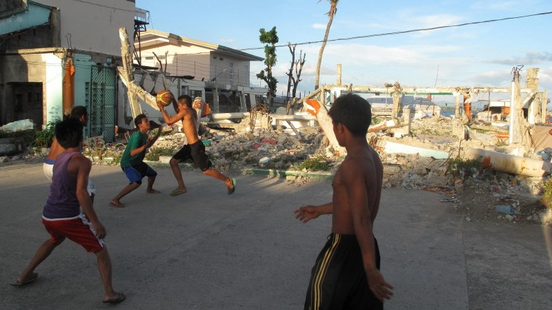 Communities quickly rebuilt amid the rubble of Tacloban. Photo: Henry Donati/DFID