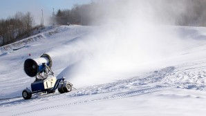 Norway seeks to climate-proof skiing with eco snow machines