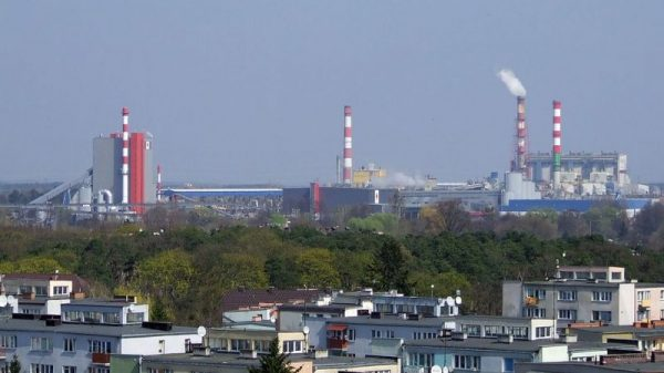 Polish utility sued over financial risk of €1.2bn coal plant