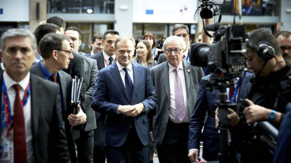 EU should not raise 2030 climate target, says Juncker