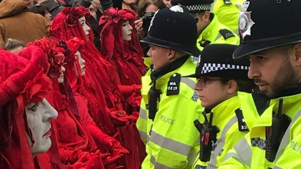 London police ban on Extinction Rebellion was unlawful, court finds