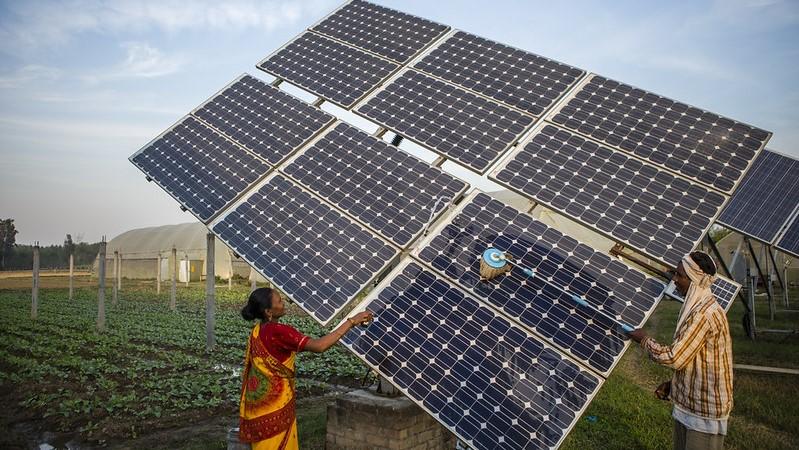 Coronavirus lockdown speeds India's shift from coal to solar power