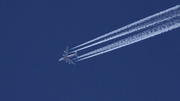 EU urged to address aviation's full climate impact, including non-CO2 emissions